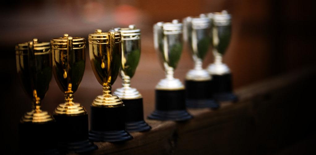 First-Class Entrepreneurs Win Trophies